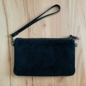 FREE W/ PURCHASE | Urban Outfitters Wristlet